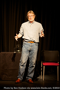 Iain Banks during a 2010 appearance at the Luton Library. Photograph © 2010 by Ben Hodson via Iain-Banks.net.