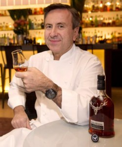 Chef Daniel Boulud with his bespoke expression of The Dalmore. Image courtesy Whyte & Mackay.