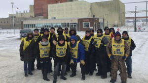 Crown Royal Distillery workers on strike in Gimli, Manitoba. Photo by Jeff Traeger via CBC News.