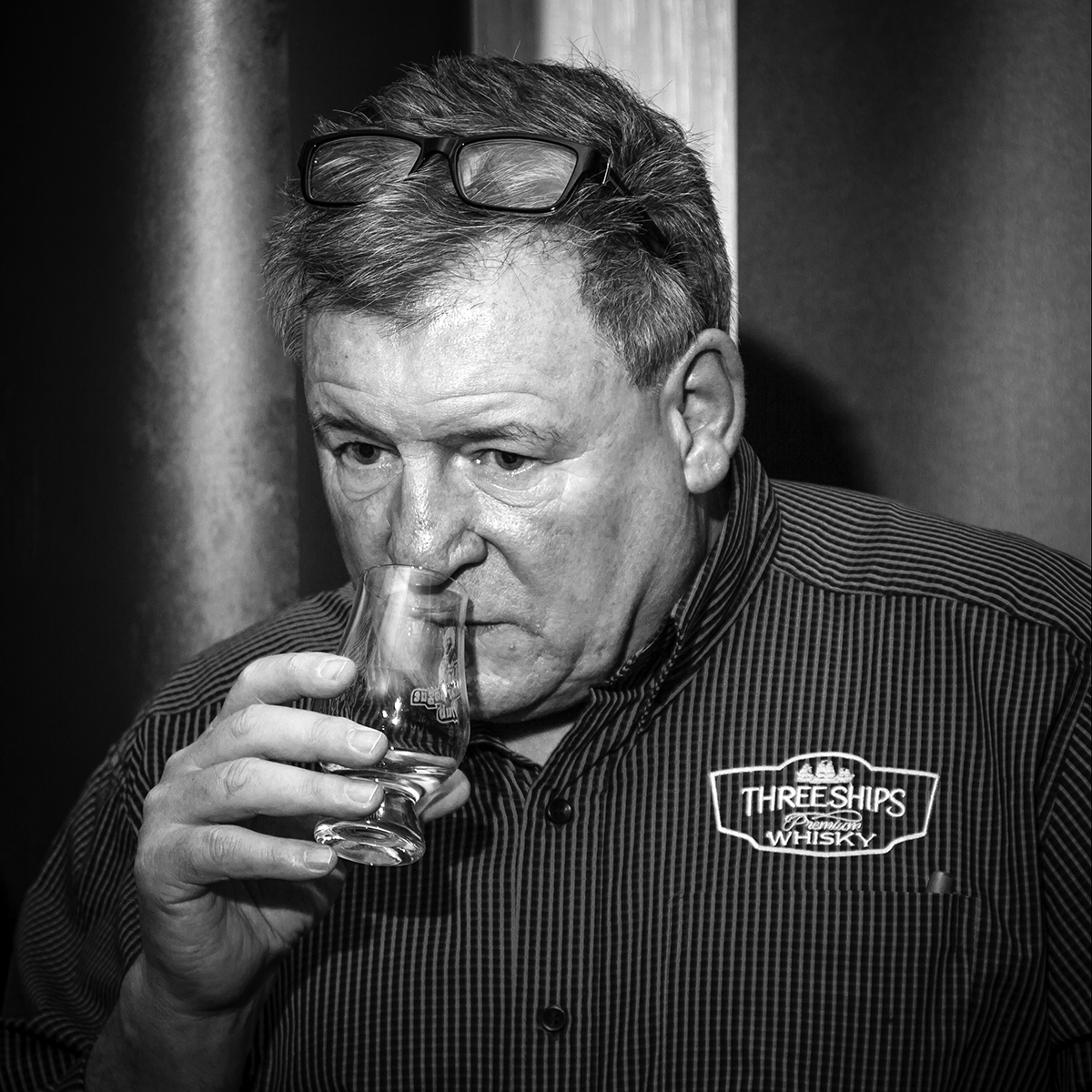 Distell's Andy Watts noses a whisky during the New Brunswick Spirits Festival on November 17, 2017. Photo ©2017, Mark Gillespie/CaskStrength Media.