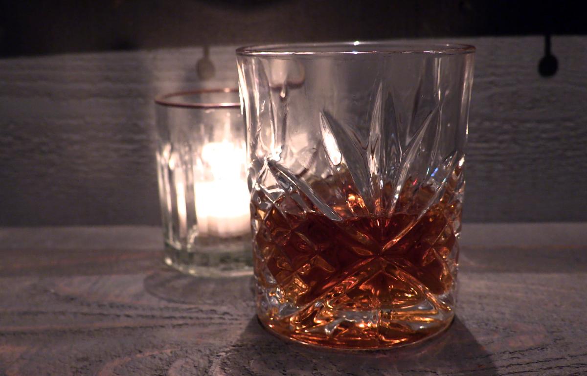 A glass of whisky on a bar. Photo ©2020, Mark Gillespie/CaskStrength Media.
